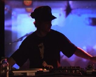 Extrait du set lors de la soirée: Solid Steel <br> avec Ollie Teeba & Pest en DJ Sets <br>le 16 février 2006 au TRIPTYQUE